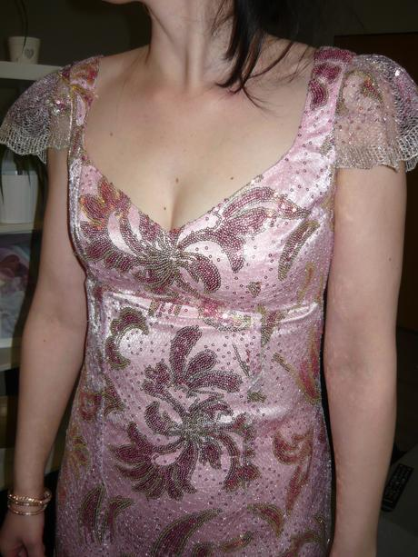 Originální společenské šaty, 36