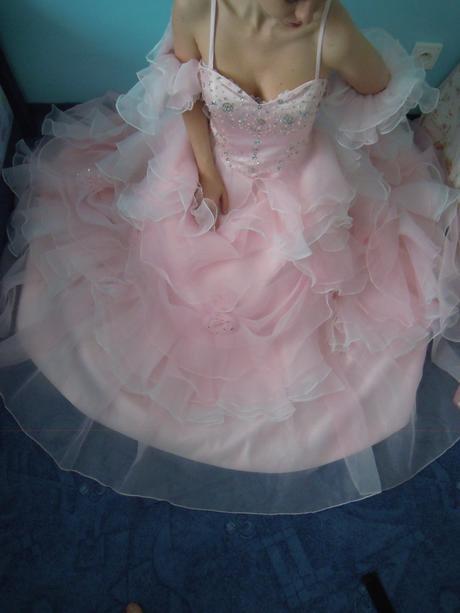 svatební - maturitní - plesové šaty , 40