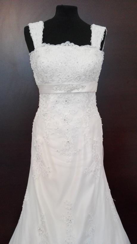 svadobné šaty krajkové, 38