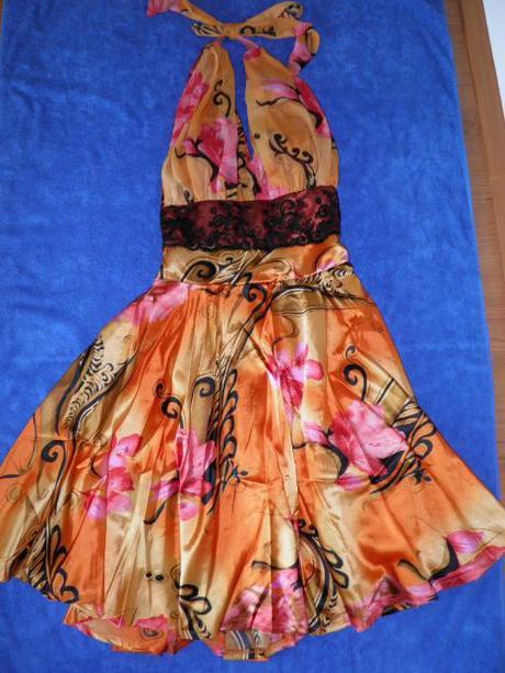 Kvietkované šaty, S