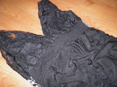 Malé čierne šaty - M, 38