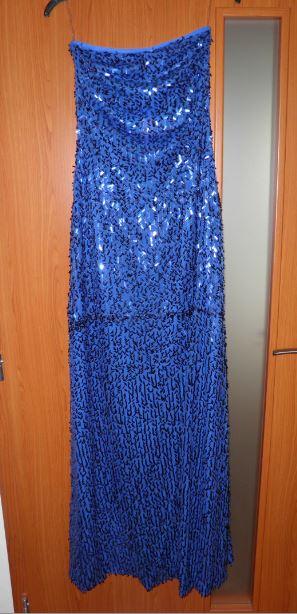 nenosené šaty, 36