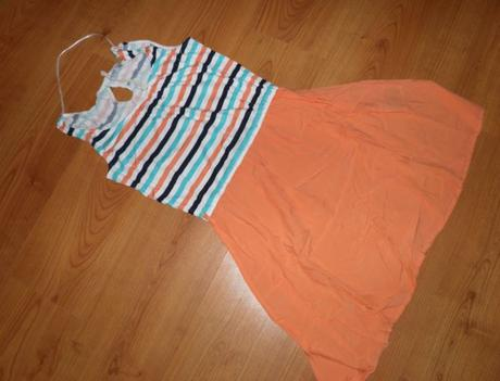 peknučké šaty, 36