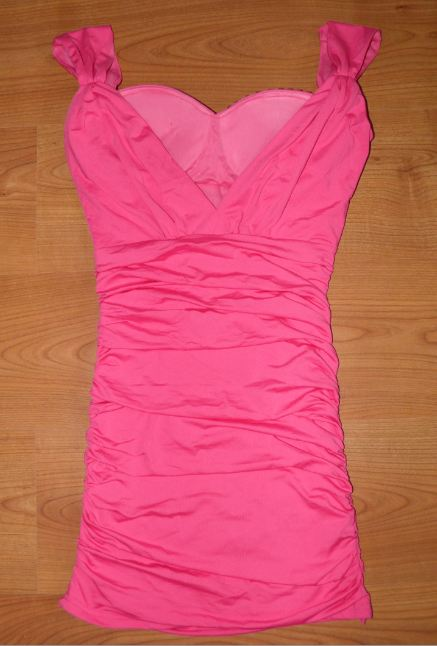 ružové šaty s vystuženými prsiami, S