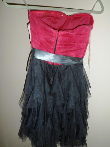 Ružovo-sivé šaty, 34