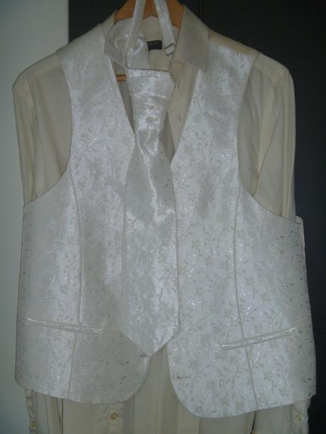 Svatební oblek BANDI + vesta, regata a kapesníček, 50