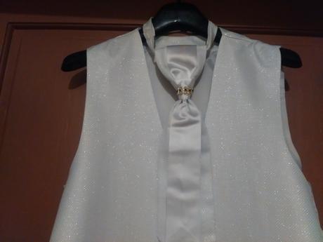 Svadobná vesta, kravata a kapesník, 48