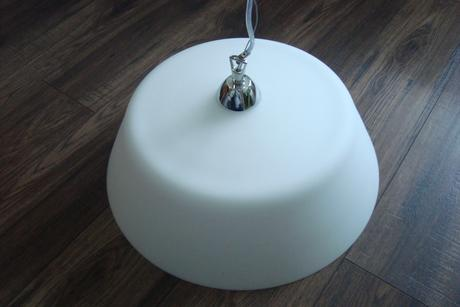 Veľká biela moderná sklenená lampa,