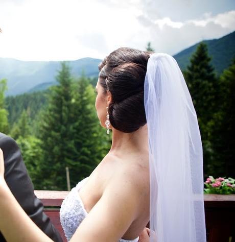 Romantické svadobné šaty s odopinatelnou vleckou, 36