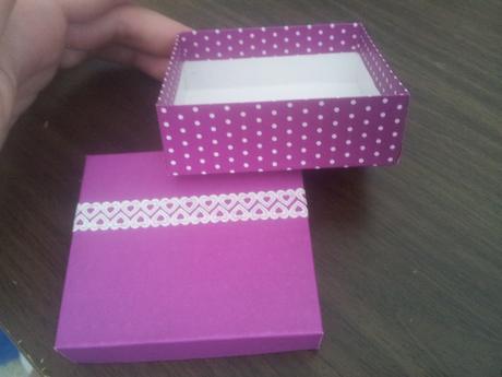 Puntíkatá krabička,