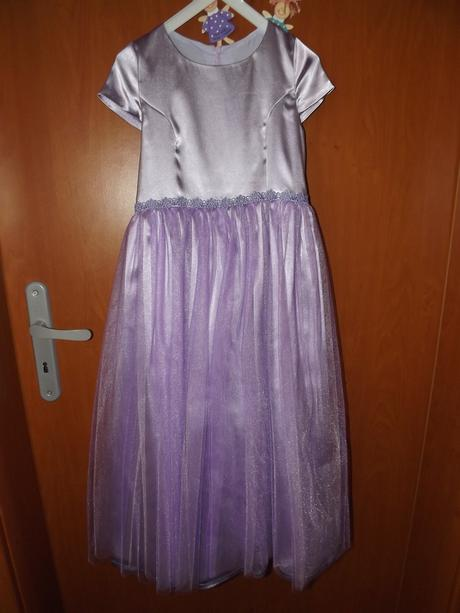 slávnostné šaty, 122
