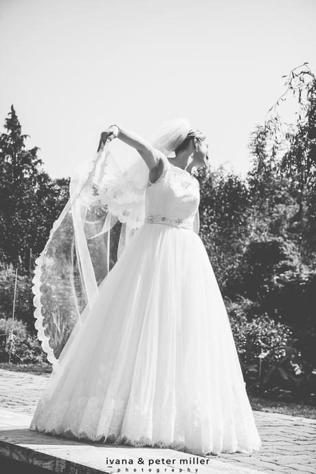 Čipkované svadobné šaty, 36