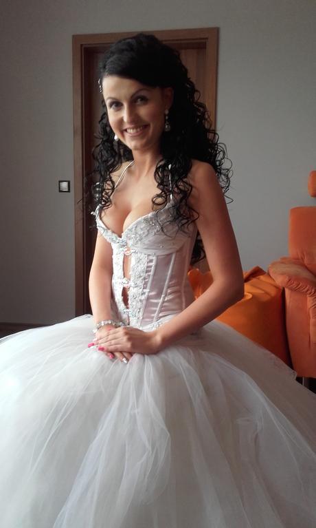 svatební šaty s kamínky, 36