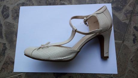Netradiční boty pro nevěstu, 38