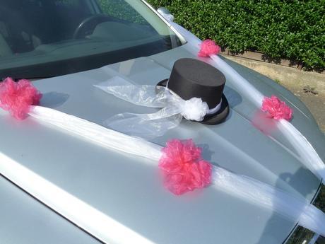 Ozdoba na auto pro ženicha i nevěstu včetně šerp,