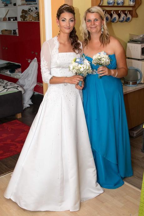 kráné svatební šaty s kamínkama, 38