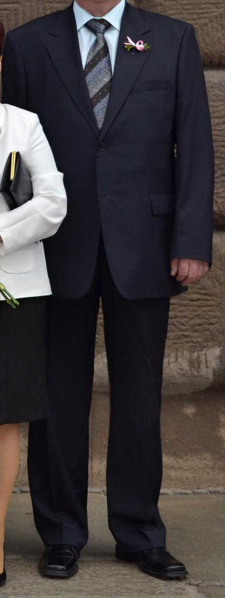 Oblek Luggi, 56