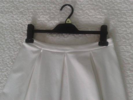 biela sukňa, 38