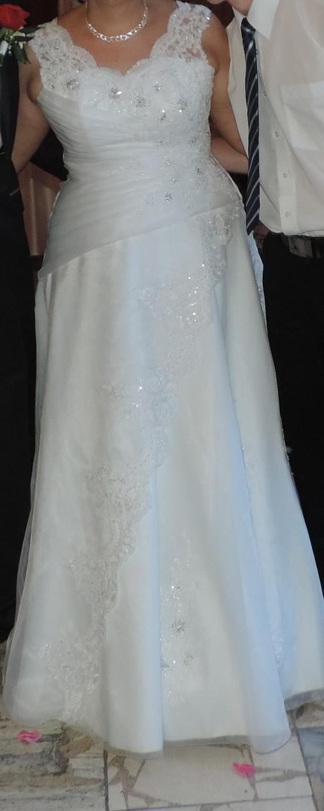 svadobné šaty a doplnky, 46