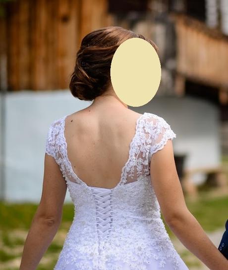 Snehovobiele svadobné šaty, 40
