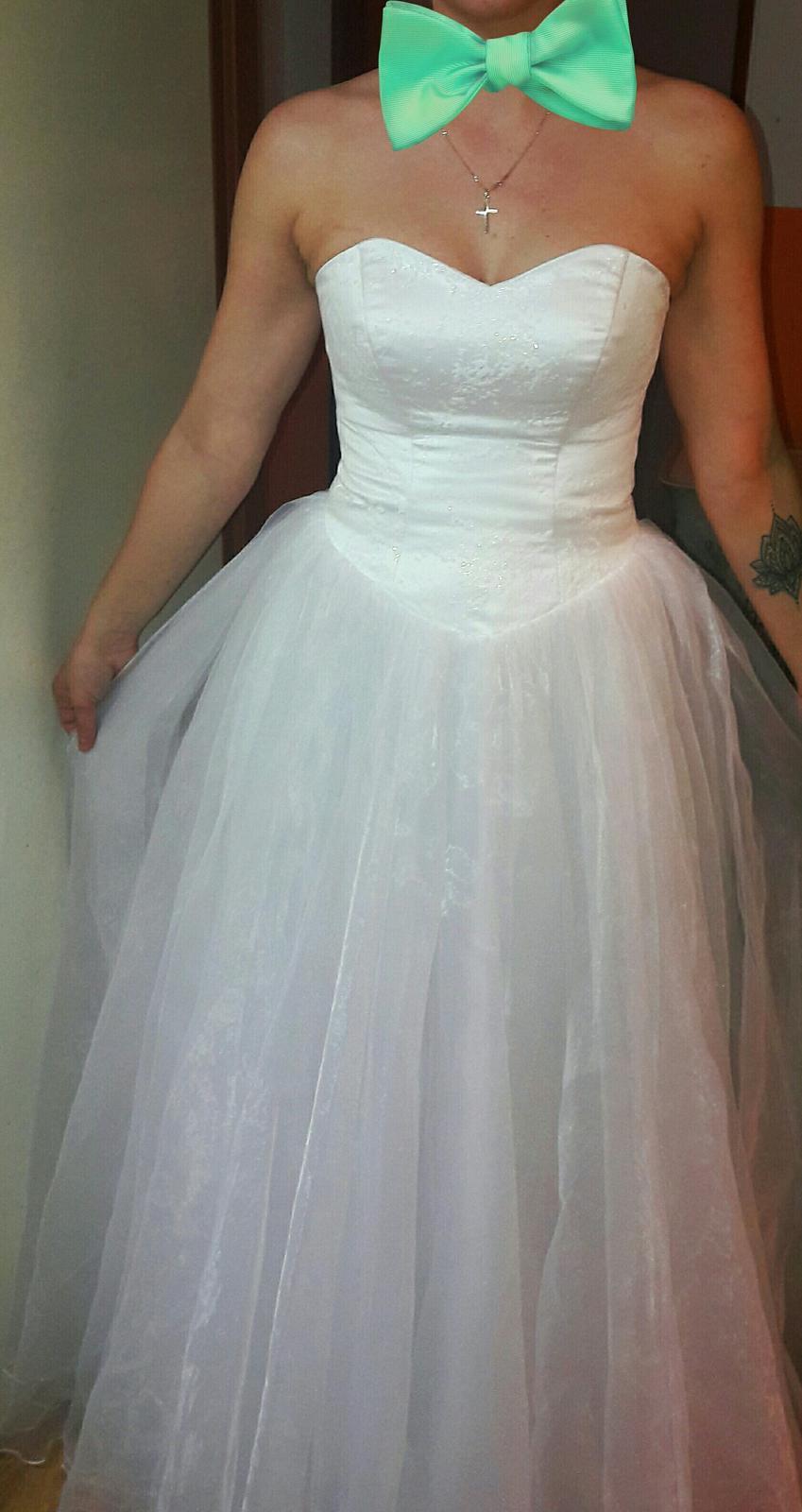 Jednoduché svadobné šaty  28d62cfc580