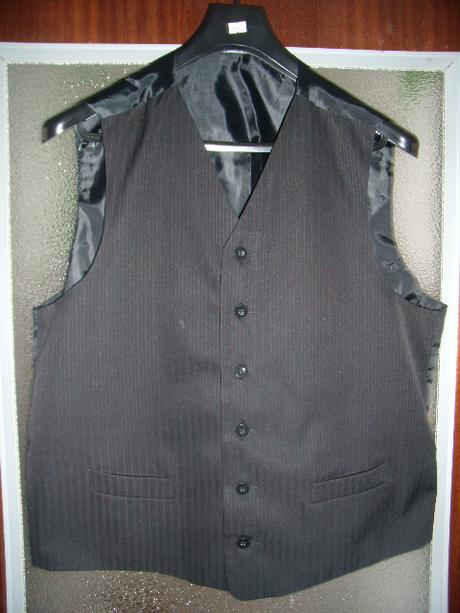 Pansky oblek s bordovým prúžkom, 54