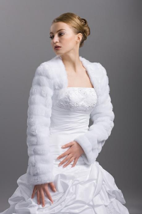 Svadobný teplý kabátik,