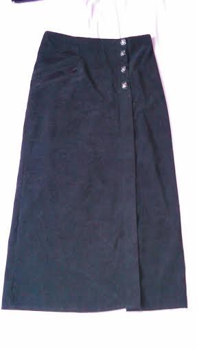 Dlhá čierna sukňa, M