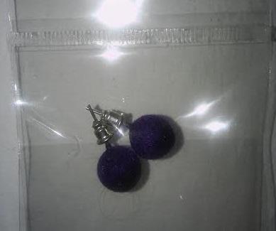 Fialové semišové náušnice,