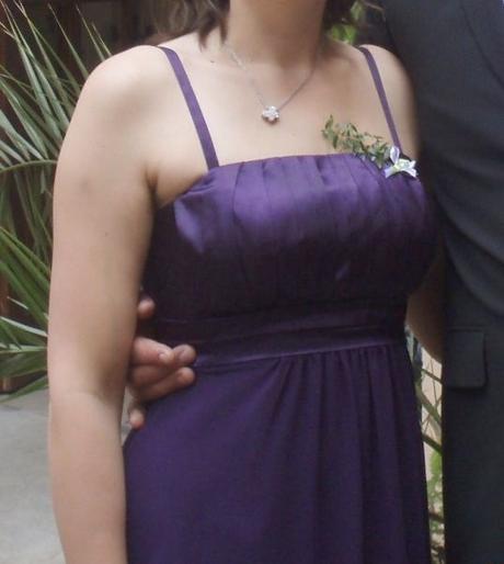 Krátké saténové společenské šaty s šifónem, 40