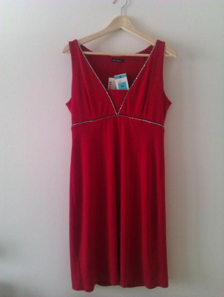 c02396cf6fda Červené šaty marks   spencer