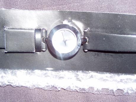 jednoduché hodinky,