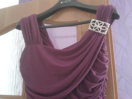 nariasené krátke šaty, 44