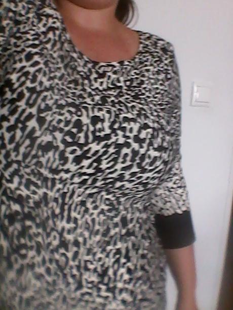 nenosené šaty/dlhý top, 42