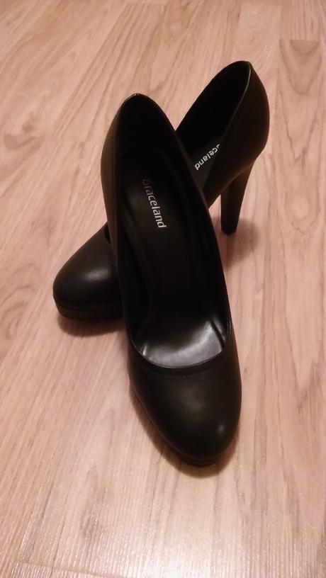 Čierne topánky, 35