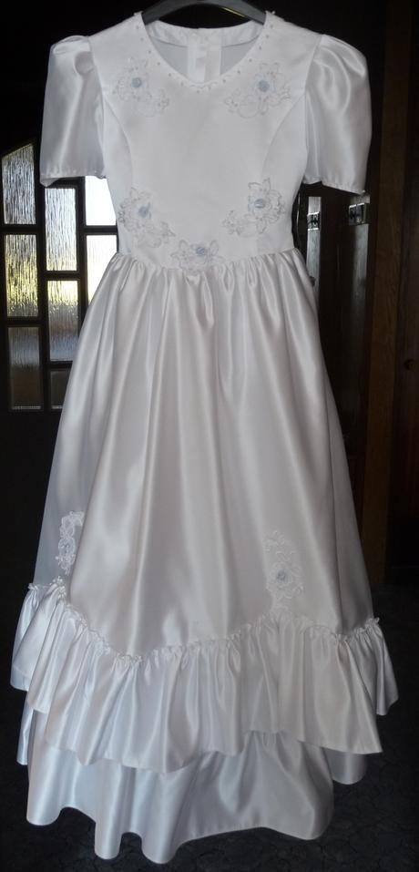 Šaty pro drůžičku, nebo svaté přijímání, 140