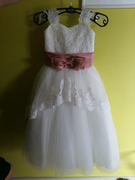 šaty pre družičku,