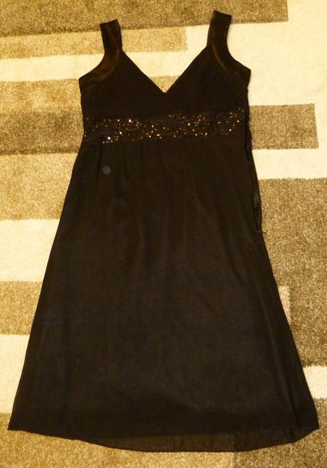 Čierne flitrované šaty , 38