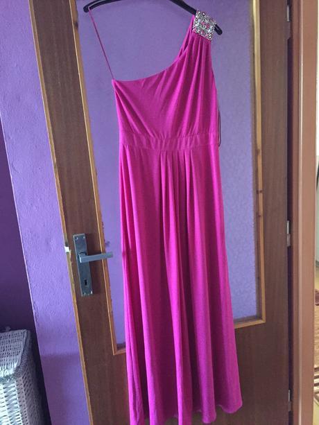 cyklámenové spoločenské šaty, 40