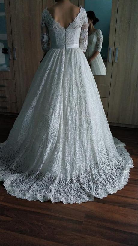Svadobné čipkované šaty, 38