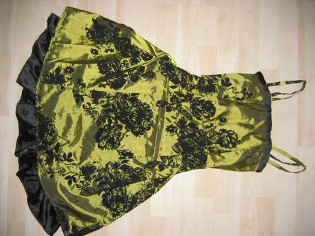 zelené šaty s bordovou stuhou, 36