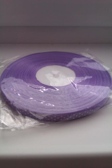 Bodkovaná- fialová stuha s bielymi bodkami,