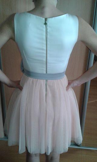 Krátke dievčenské šaty s tylovou tutu- sukňou., 34