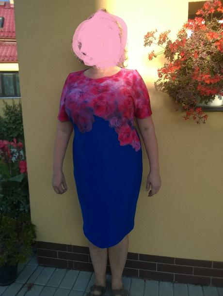 Společenské šaty , 48