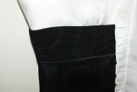 Cierno-biele saty zn. Unique, 38