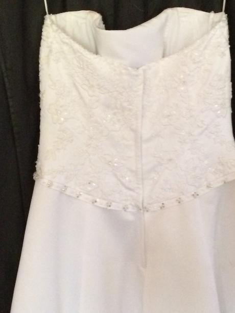 svatební šaty vel 38-40, 38