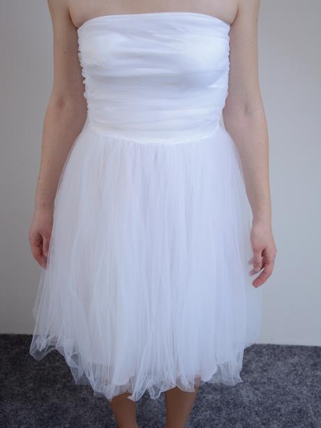 Jednoduché svatební šaty, 34