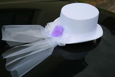 Dekorace na auto pro ženicha,