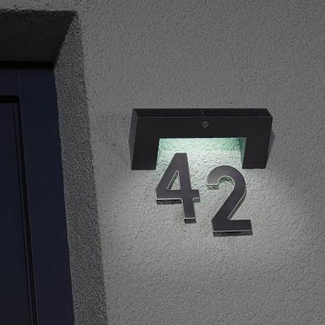 Solárne osvetlenie domového čísla,