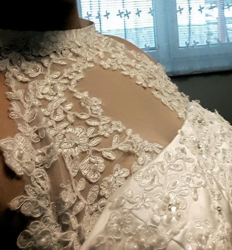 Svadobné šaty + kruh, 38